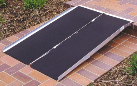 Single fold wheelchair ramp
